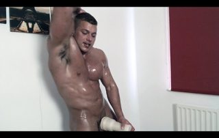 Biceps Hot Flexing Hunk Pecs Sweat Alpha Bum Armpit Fetish Oil Domination Masturbation Bodybuilder Gay FleshLight
